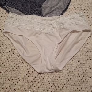 COPY - NWOT White Warners Hipster Lace Underwear